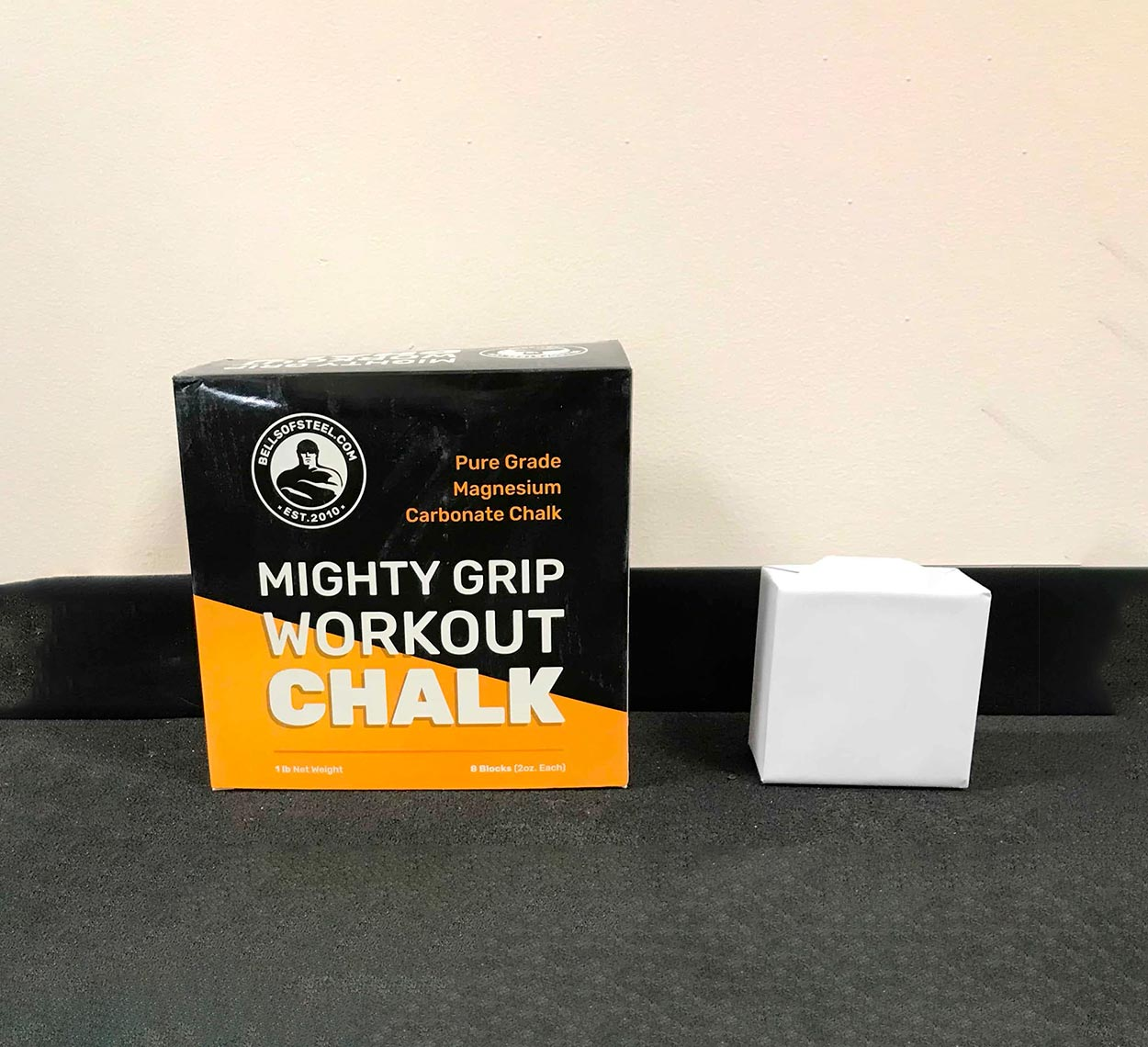 bos-mighty-grip-workout-chalk-01-min